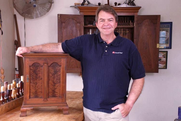 Master woodworking instructor and fine furniture craftsman